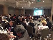 EVENTO. Un centenar de miembros e invitados de Skal se dieron cita el miércoles pasado para la presentación del presidente Andrés Hayes y la subasta a beneficio de Covenant House. || FOTO: Luis Niño para ETL