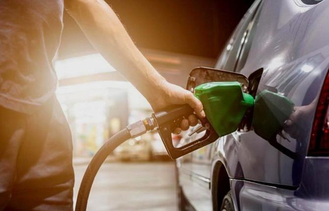 Factura petrolera de El Salvador aumentó $183 millones más que hace un año