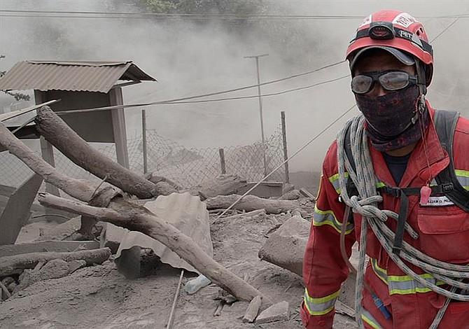 Tres víctimas de gravedad por erupción de volcán en Guatemala serán trasladados a EEUU