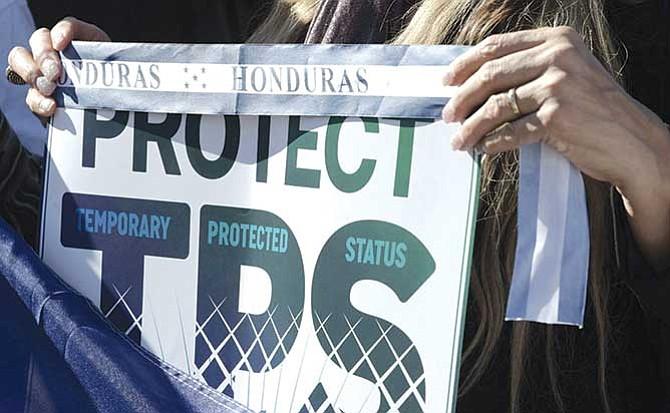 Hondureños deben reinscribirse al TPS