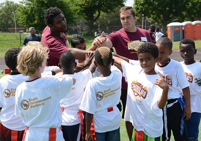 Inscripciones abiertas para campamento gratuito de fútbol americano juvenil