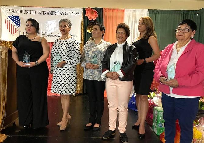 Seis mujeres de la comunidad recibieron premios de LULAC