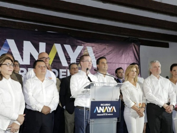 Peña y Anaya deben resolver sus conflictos pacíficamente: AMLO