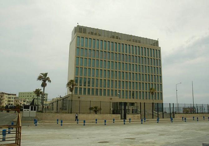 EEUU retira a dos empleados de su embajada en Cuba por sospechas sobre problemas de salud