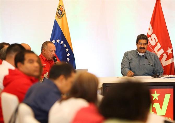 Lo que opinan los venezolanos de las movidas en el gabinete del régimen de Maduro (Tuits+Memes)