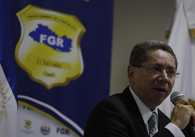 Los hallazgos curiosos en la investigación en contra del ex presidente Mauricio Funes