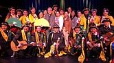 Miembros de La Tuna Colombiana en su presentación en Boston