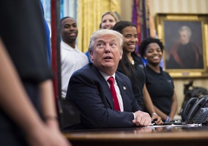 Justicia debate sobre la legalidad de las ganancias hoteleras de Trump