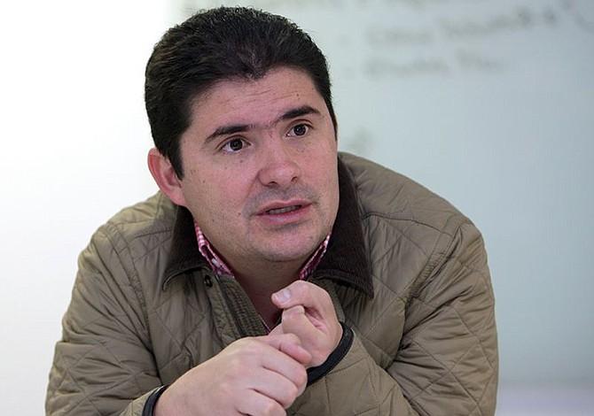 Colombia: Luis Felipe Henao, el escudero de Vargas Lleras, también se fue por el blanco