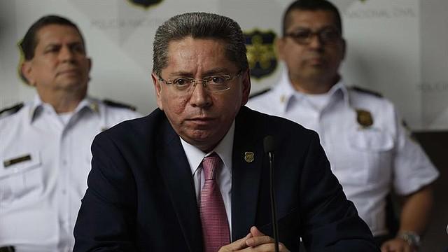 JUSTICIA. El fiscal general de El Salvador, Douglas Meléndez, participa en una rueda de prensa en San Salvador