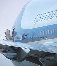 EE.UU.  El presidente de los Estados Unidos, Donald J. Trump, abandona el avión presidencial Air Force One, a su llegada a la Base de la Fuerza Aérea Andrews