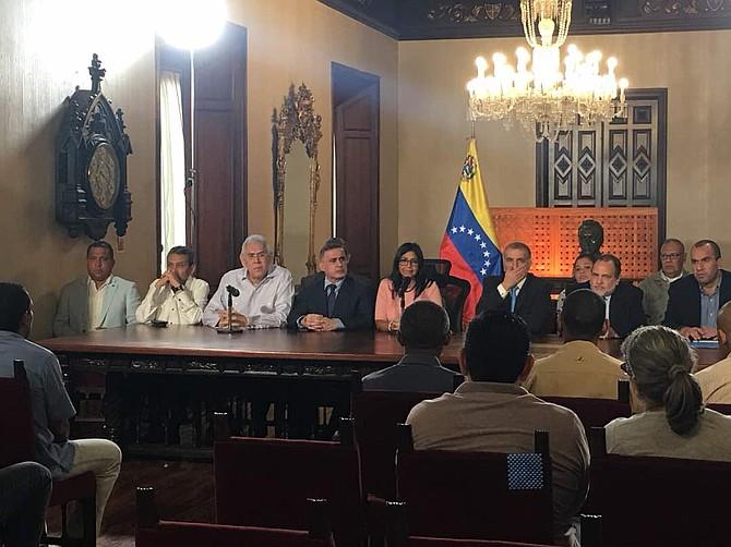 VENEZUELA. Funcionarios del régimen de Nicolás Maduro