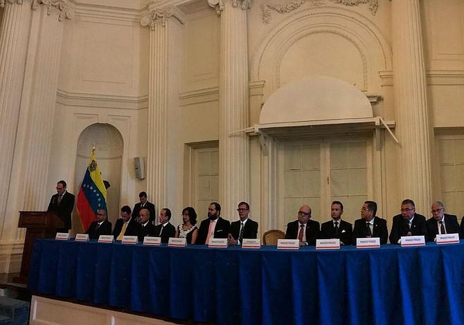 Venezuela: Magistrados en el exilio exhortan a la Asamblea Nacional designar nuevo rectores del CNE