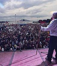 SOLUCIÓN. Andrés Manuel López Obrador quiere llegar a un acuerdo con Donald Trump, para frenar la inmigración ilegal.