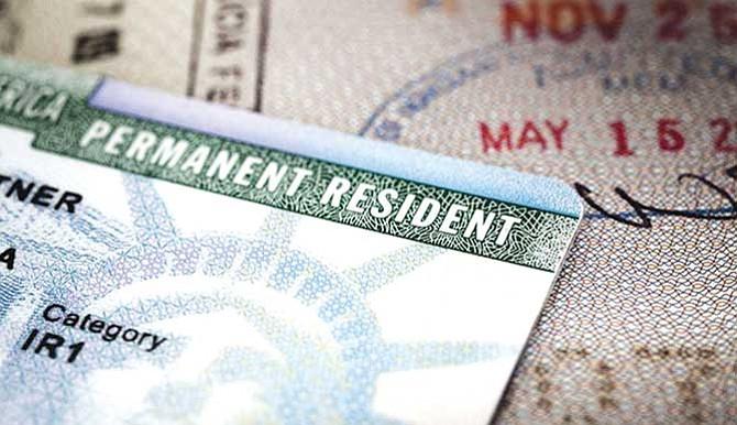 Durante renovación de su 'green card': USCIS amplía periodo de estancia para inmigrantes casados