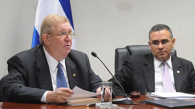 Hacienda desvió $54,170,000 a Capres los primeros dos años de Funes
