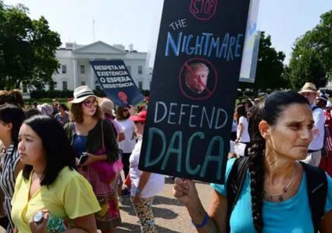 Republicanos proponen ciudadanía a Dreamers y fin de separación familiar
