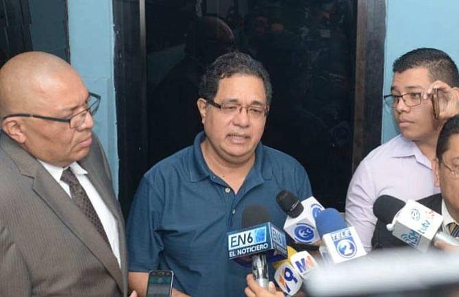 El Salvador: Exsecretario de Comunicaciones de Funes se entrega a las autoridades