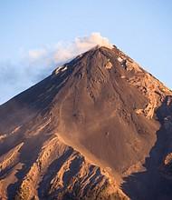 GUATEMALA. El volcán Fuego está ubicado a 35 kilómetros de la capital