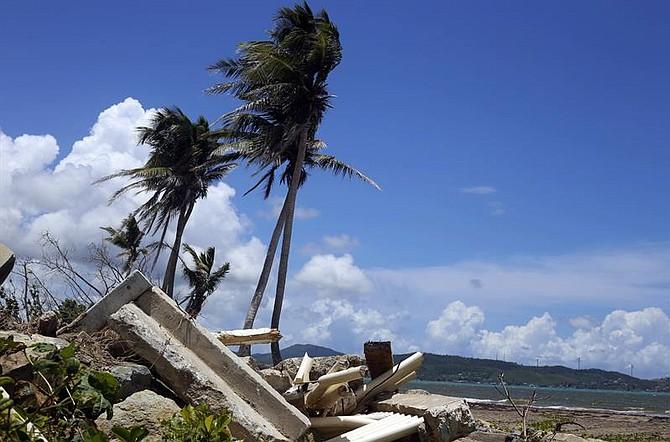 HURACANES. Fotografía del 24 de mayo de 2018 de los escombros en Punta Santiago en Humaco (Puerto Rico)