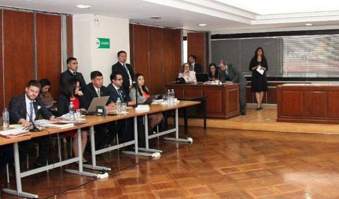 Fiscalía de Ecuador solicita grillete electrónico para Rafael Correa