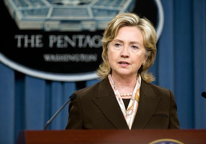 """Para Hillary Clinton la política migratoria de """"cero tolerancia"""" desatará una crisis moral"""