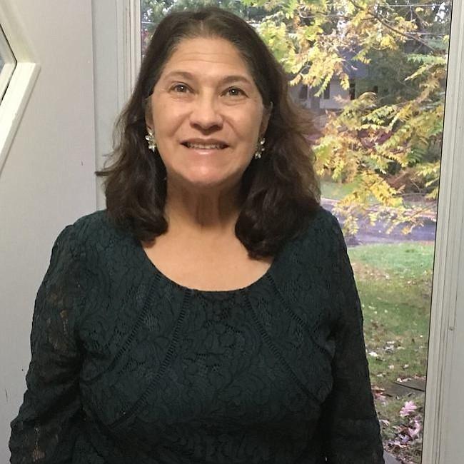 Loretta García.  Abogada en Bethesda, activa en la política de Montgomery se lanza para el Concejo de esa jurisdicción.