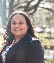 Luisa Arévalo. La salvadoreña que emigró de niña a Estados Unidos, se lanza por el distrito 17 para el Comité Central Demócrata de Montgomery.