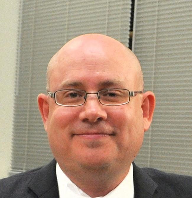 David Fraser-Hidalgo. Delegado estatal por el distrito 15 de Montgomery. Sirve desde 2013, es de origen ecuatoriano, se lanza por un segundo término.