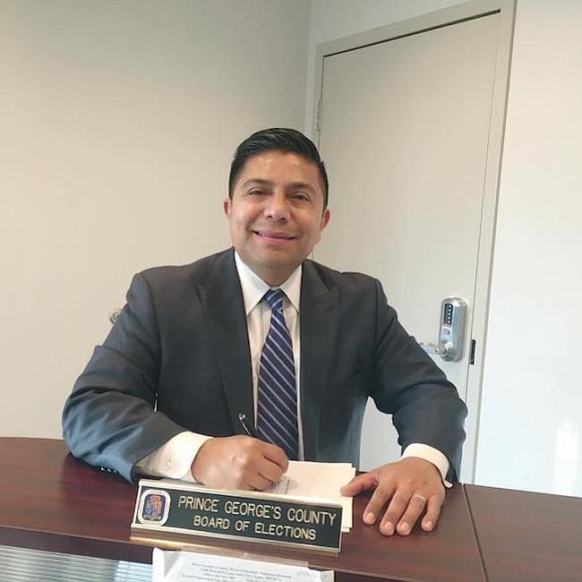 Víctor Ramírez. El primer senador en el Capitolio de Maryland, renuncia a su cargo al lanzarse para fiscal estatal en Prince George's. Es de origen salvadoreño.