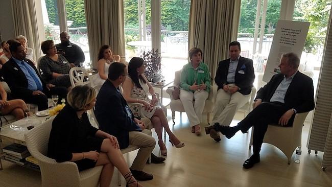 David Trone recibe apoyo latino en su campaña al Congreso