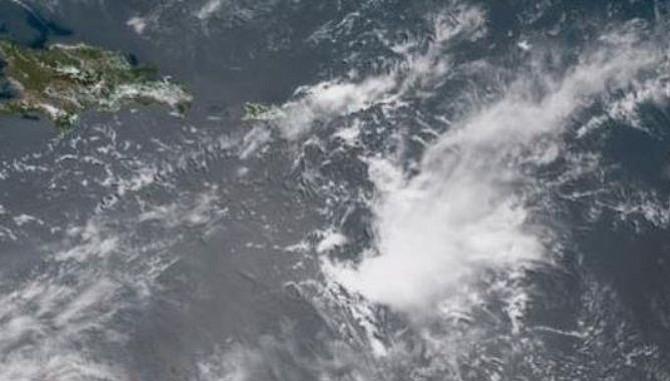 Onda tropical en el mar Caribe causará fuertes lluvias en Puerto Rico