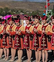 Handes! Armenian Dance Summit darán una presentación única y participativa de la danza armenia