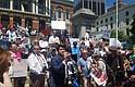 Protesta en la Casa de Estado de Massachusetts en contra de la separación de familias