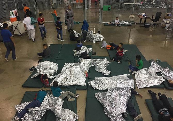Al menos 500 niños migrantes se reencontraron con su familia