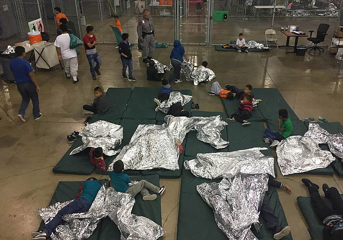 Gobierno de EE.UU. reunió a 57 niños inmigrantes con sus padres