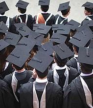 NECESARIO. Todos los Estados de la Unión tienen que actuar firmemente para centrar sus esfuerzos en aumentar el apoyo a los latinos para que más logren graduarse de la universidad.
