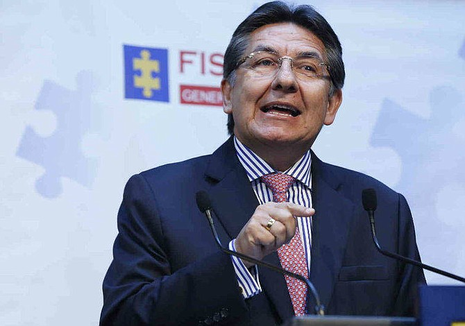 Fiscal expone redes de compra de votos en Colombia