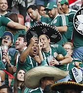 En caso de multar a México, la FIFA rechaza los cánticos homófobos de los fanáticos. La Federación Mexicana ya había sido multada en otras ocasiones por este motivo