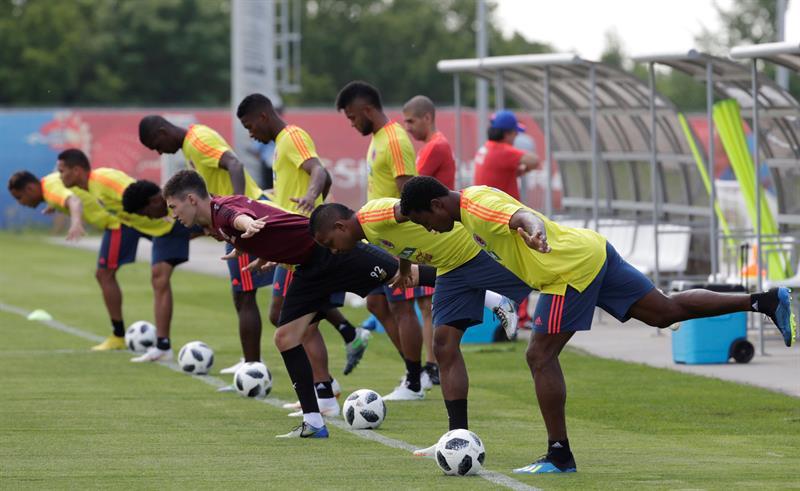 FUTBOL. Los jugadores de la selección de Colombia se ejercitan durante el entrenamiento en el Sviyaga Stadium de Kazán, Rusia