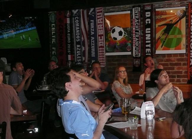 En DC también se goza y se sufre con el Mundial