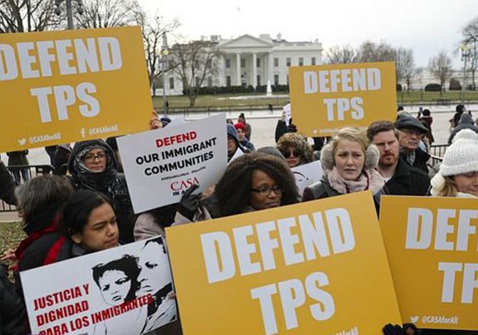 """""""Tepesianos"""" hondureños y activistas pro-inmigrantes denuncian cancelación del TPS y prometen campaña de presión ante el Congreso y movilización de votantes."""