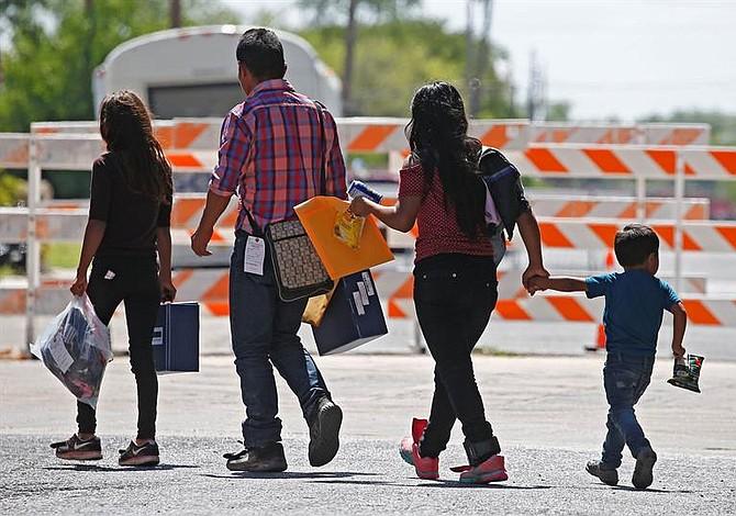 Ordenaron reunificar a menores inmigrantes separados de sus padres en 30 días
