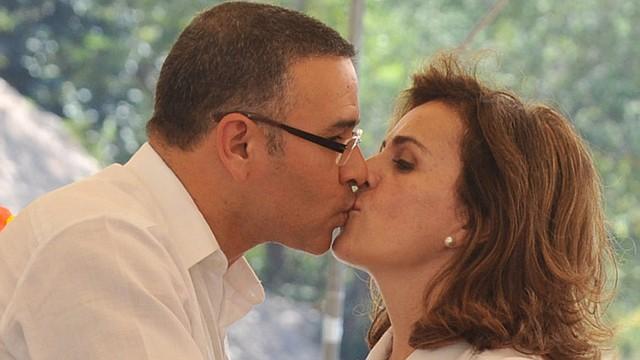 EL SALVADOR - Los exesposos Funes y Pignato conocerán su destino por un proceso civil de $1,2 millones este martes.