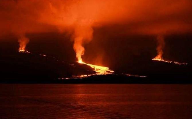 Erupción del volcán Sierra Negra en Ecuador durará más de lo previsto