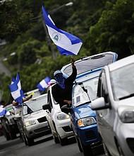 """PROTESTA. Cientos de nicaragüenses participaron en la caravana """"Nicaragua no olvida, Nicaragua no se rinde"""""""