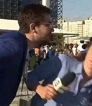 MUNDIAL. Crece el acoso a reporteras durante transmisiones en vivo