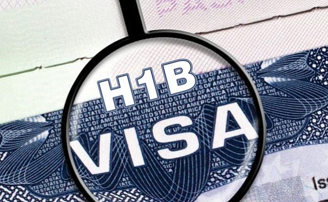 Cónyuges de titulares de visado H-1B no podrían trabajar