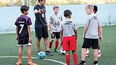 Vocación. Guadarrama está cargo de un grupo de niños y adolescentes de entre 5 y 18 años, que entrenan con él con la misma pasión con la que él entrenó con su padre.