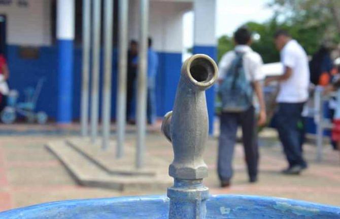Educación da instrucción a directores de escuelas en El Salvador ante falta de agua